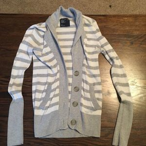 American Eagle Fitted Cardigan